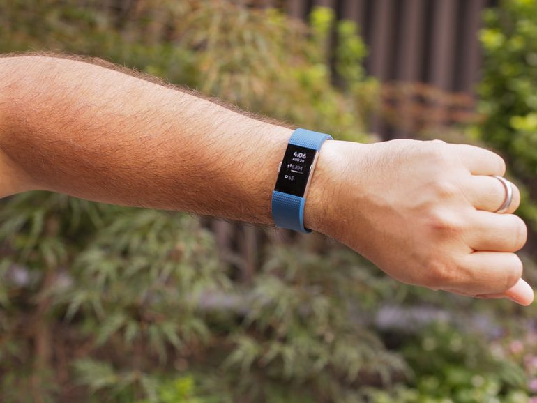 fitbit-charge-2-outside03.jpg
